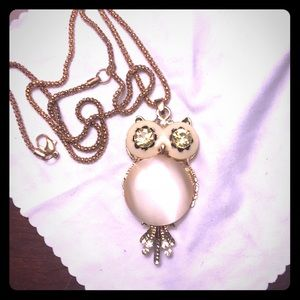 Jewelry - Owl pendant necklace